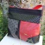 sac-bandouliere-rouge-noire-chat